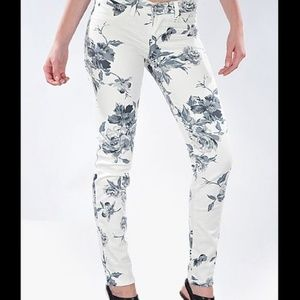 Fabulous Floral White Skinnies